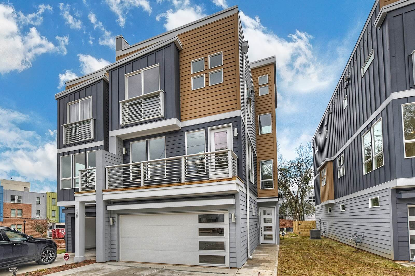 End Unit Townhomes with Skyline Views Available at Urban Hive: West End and The Colony